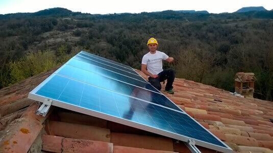 Panells solars aïllada teulada